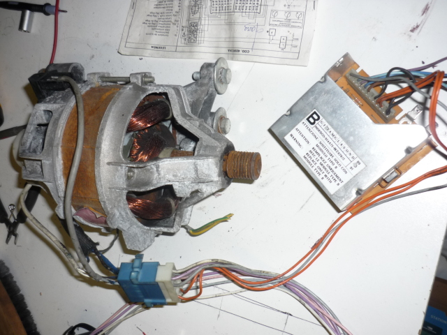 Cablage moteur de machine laver 2 vitesses forums des nergies chauffa - Comment tester un condensateur de machine a laver ...