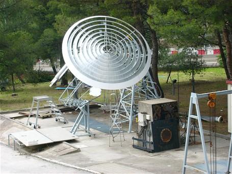 Tour a ro solaire centrale a rothermique par edgar nazare for Miroir solaire parabolique