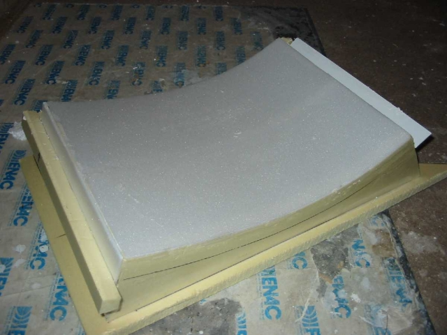 Tirage polyester dans moule platre 1235597533TLExks