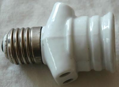 Adaptateur d 39 appareils sur lampe halog ne douille voleuse - Internet prise electrique ...