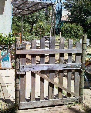 Id es co deco avec r cuperation de palettes de bois page 5 forums des nergies chauffage - Deco jardin en palette nice ...