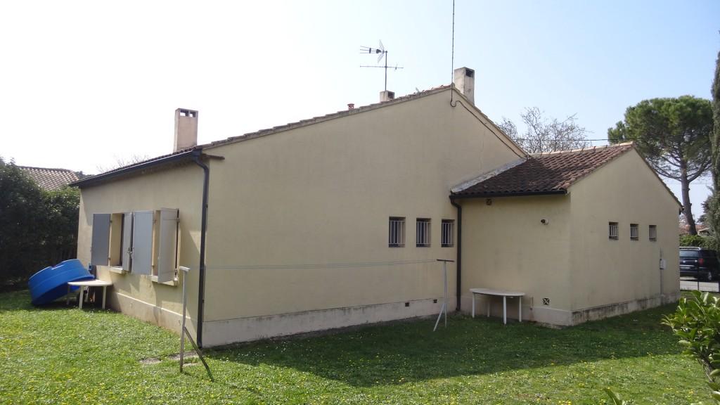 Fațada nordică a casei.JPG