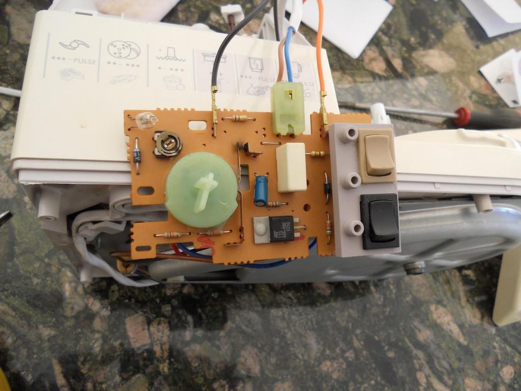 መቆጣጠሪያ circuit.jpg