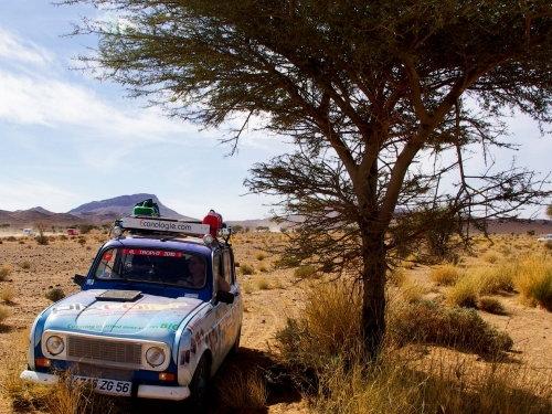 4L Trophy dans le désert au Maroc