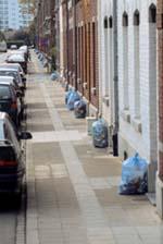 poubelles dans la rue