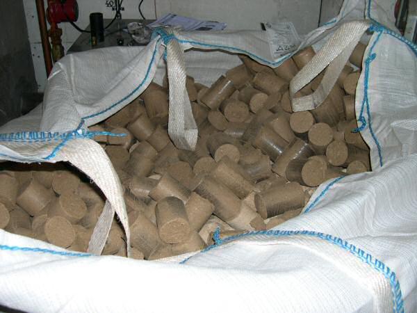 briquettes de bois compressé