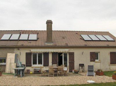 maison à chauffage solaire et bois