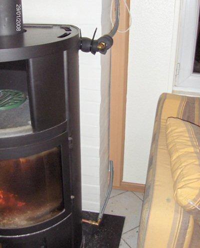 poêle à bois avec eau chaude détails