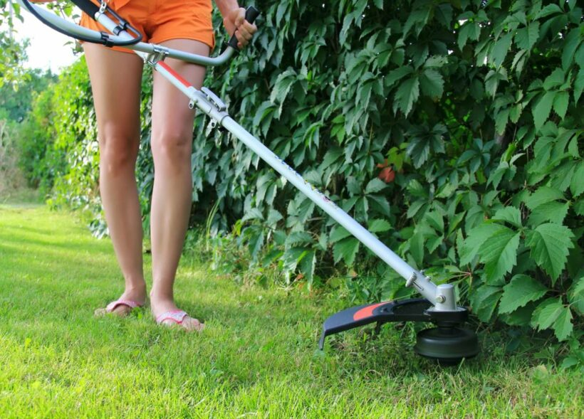 woman brushcutter